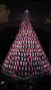Mona Shores High School Singing Christmas Tree